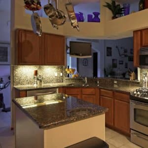 Lighting Options for Inside and Under Your Kitchen Cabinets