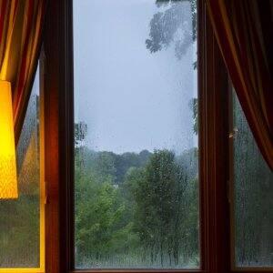 window, foggy window, condensation in window