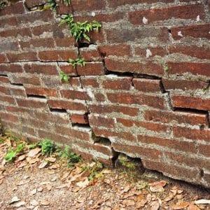 cracks in brick foundation