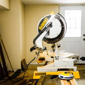 Remodeler's mitre saw