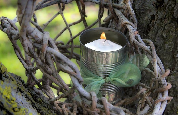 Diy outdoor decor to keep bugs away angie 39 s list - Keep mites away backyard hiking ...