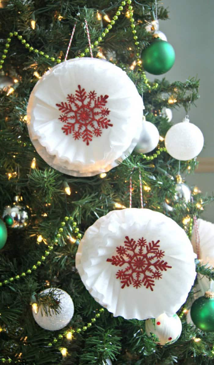 Coffee filters can be turned into Christmas ornaments. (Image courtesy of 3 Little Greenwoods)
