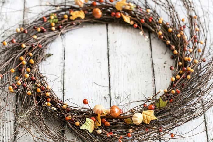 Switching out the flowers and other additions will let you make a simple wreath for any time of year. (Photo by Kelly Rowe/Live Laugh Rowe)