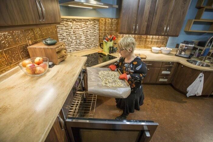 Universal Design Kitchen Remodel Renews Foodie\'s Joy of Cooking ...
