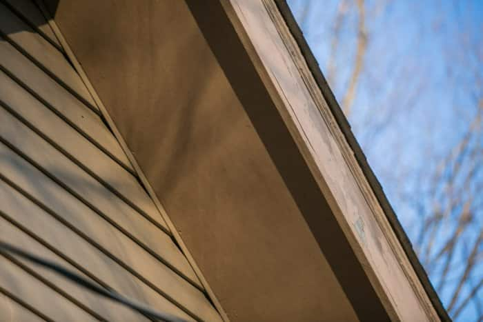 soffit and fascia board