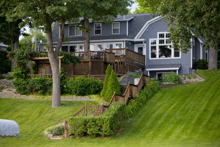 Stupendous What Are The Challenges Of Landscaping A Lakefront Home Angies Largest Home Design Picture Inspirations Pitcheantrous