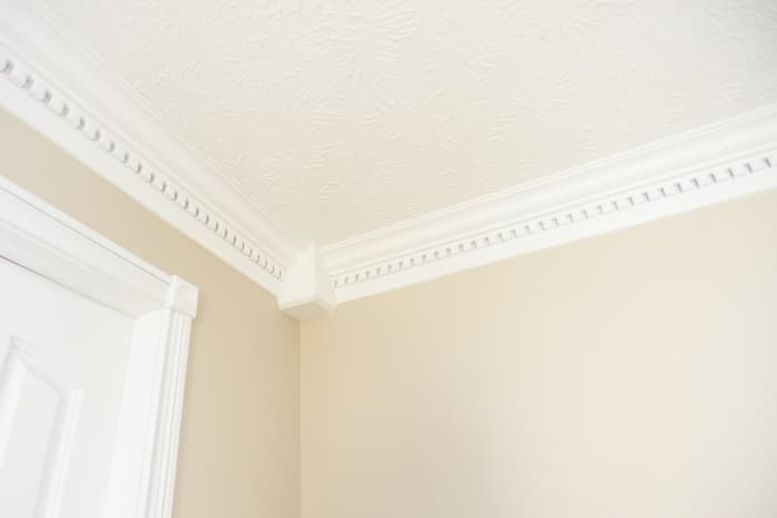 crown molding near ceiling