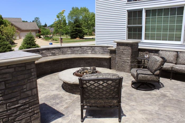 curved paver bench around fire pit
