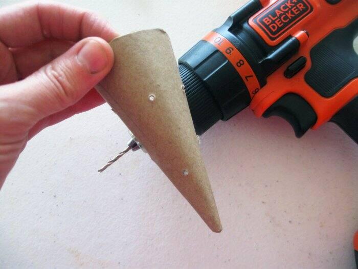 making DIY cat toys