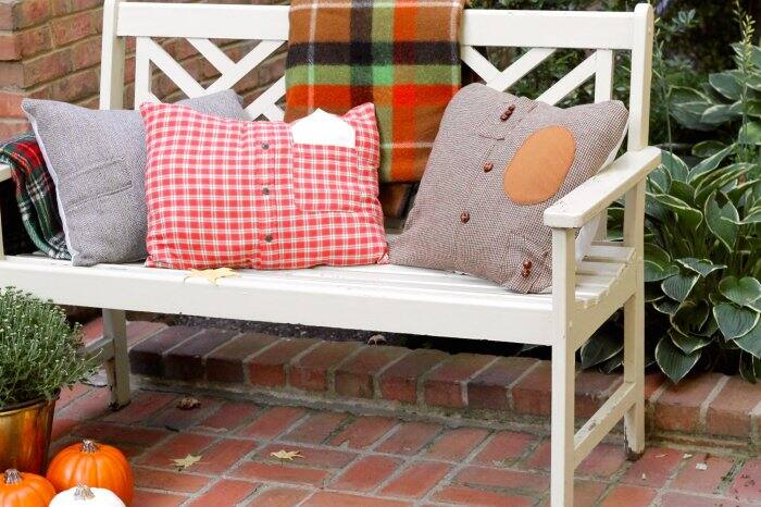 outdoor bench with DIY fall pillows