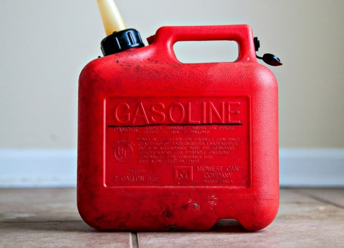 Plastic gasoline can