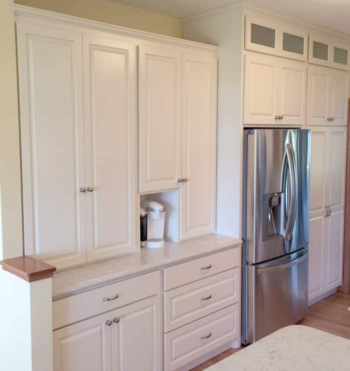 Light Colored Kitchen Cabinets: Tips To Make Your Kitchen Appear Larger