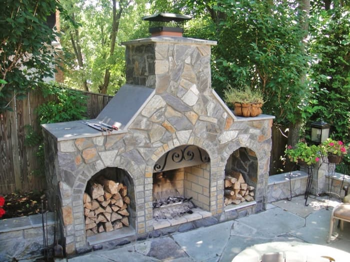 how to choose an outdoor fireplace