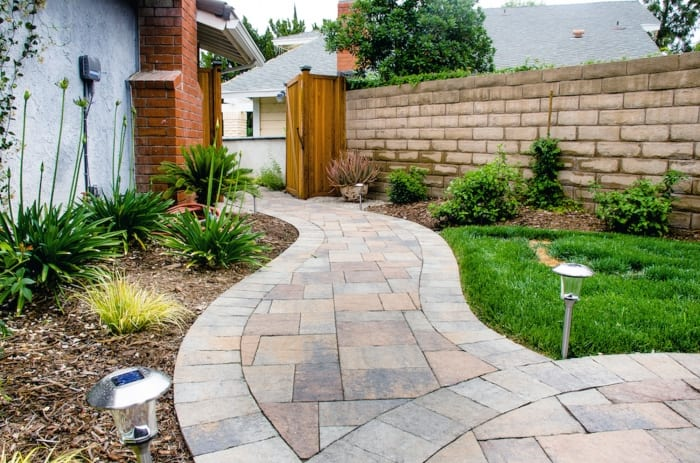 concrete pavers walkway