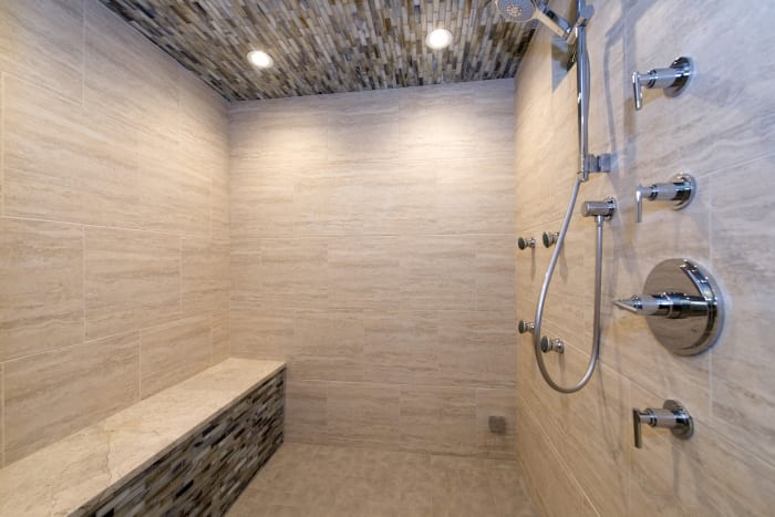 Showers With Benches