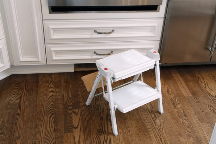 Pullout kitchen step stool