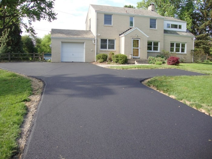 Tips to hire an asphalt paving contractor for your driveway asphalt repaving solutioingenieria