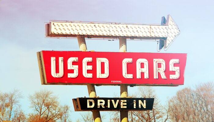 old used cars sign