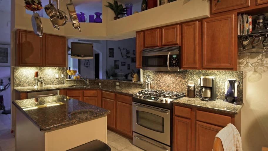 how to install kitchen cabinet lighting are leds a option for kitchen cabinet lighting 17058