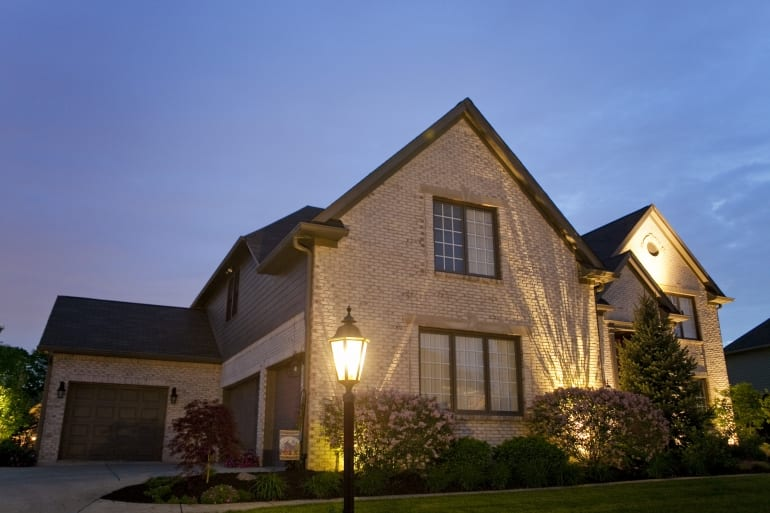 Indianapolis Outdoor Lighting Companies Illuminate Homes