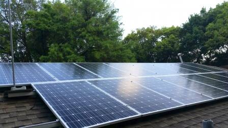Rooftop solar panels (photo courtesy of Angie's List member Charles B.)