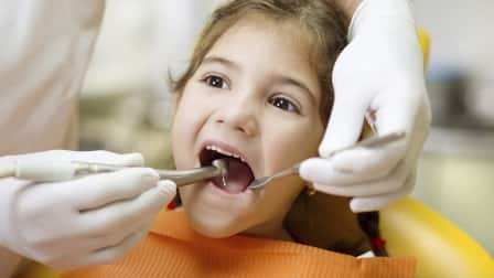 child dental exam