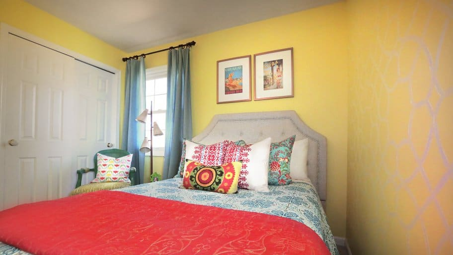 why paint bubbles and cracks angie 39 s list. Black Bedroom Furniture Sets. Home Design Ideas