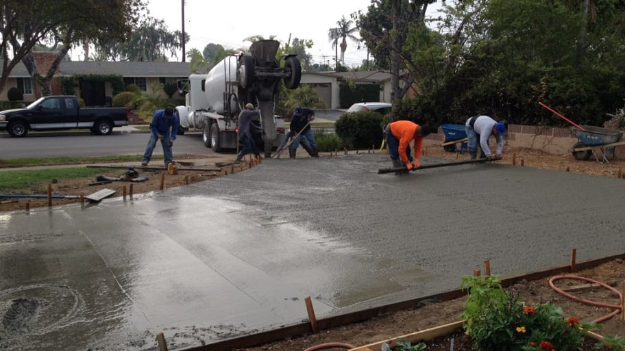How to avoid a concrete driveway repair scam angie 39 s list for Temperature to pour concrete driveway