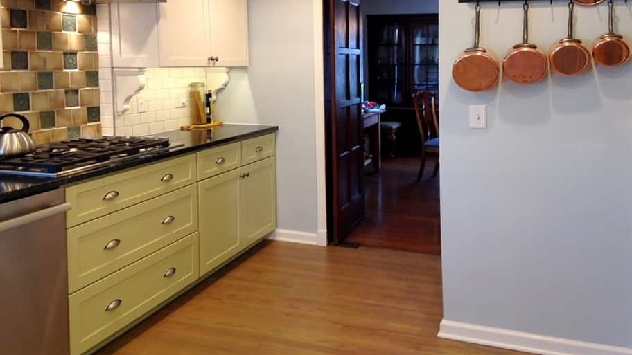 kitchen cabinets with color