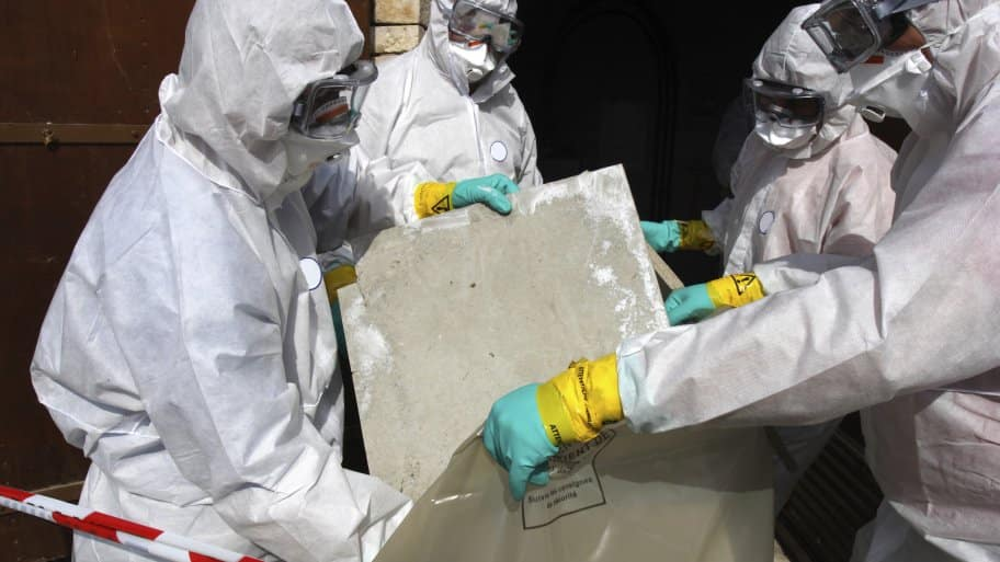 crew removing asbestos