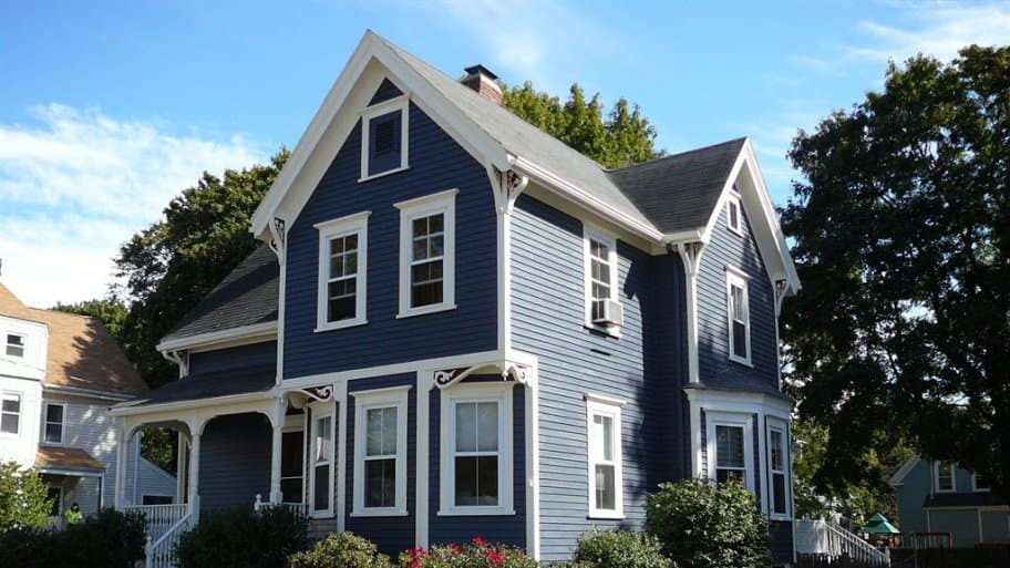 The pros and cons of different house siding angie 39 s list for How big is a square of siding