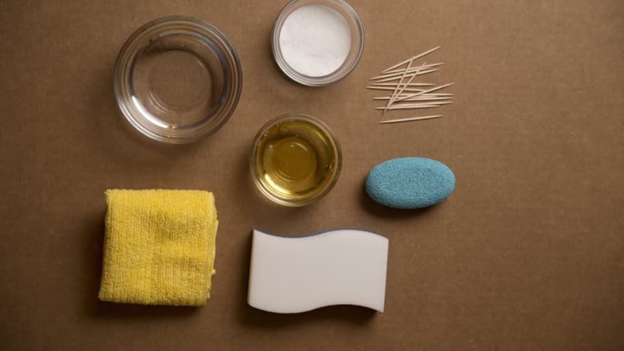 Cleaning Kitchen Cabinets With Baking Soda