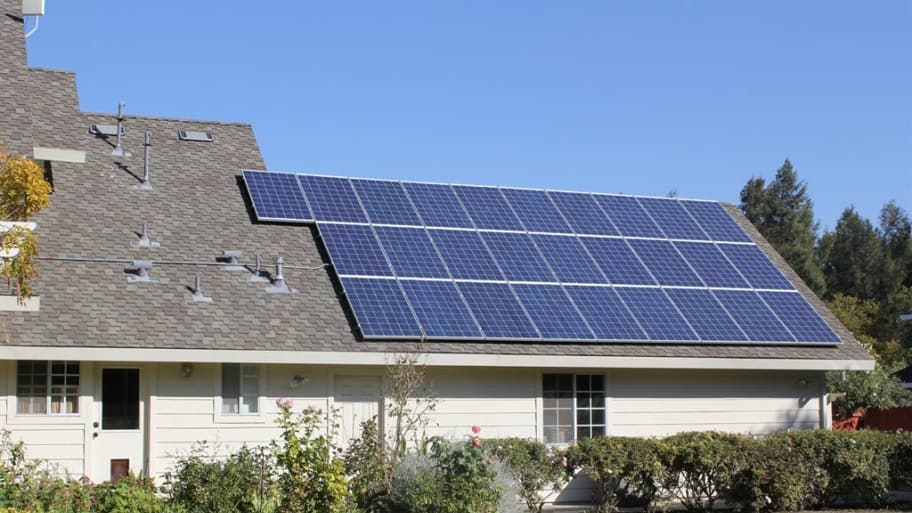 Leasing Solar Panels >> Pros And Cons Of Leasing Solar Panels Angie S List