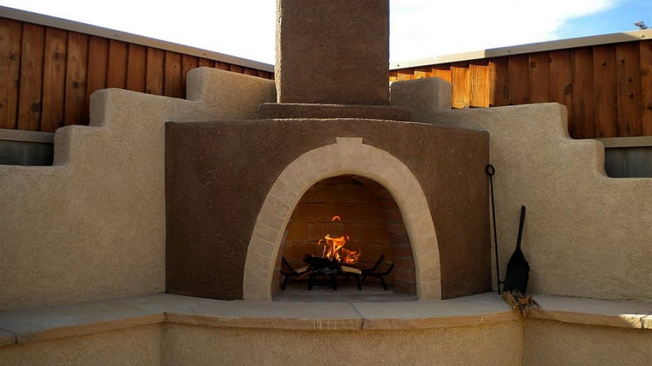An outdoor fireplace can improve the look of your external living space. The cost of installing such a fireplace depends on the style