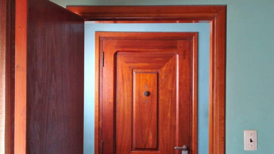 5 Creative Interior Door Painting Ideas