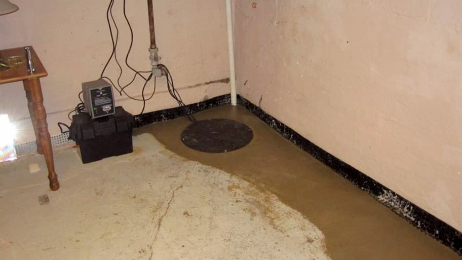 A variety of backup sump pump options are available so talk with a qualified waterproofing contractor to select one thatu0027s right for you. & Control Basement Flooding With the Right Backup Sump Pump   Angieu0027s List