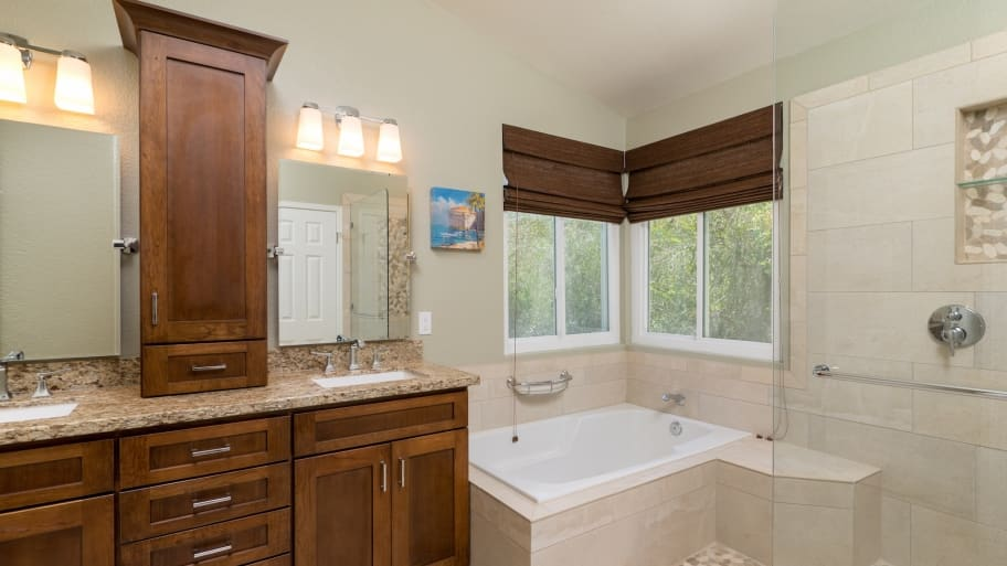 How to save money on a bathroom remodel angie 39 s list for Bathroom remodel pics