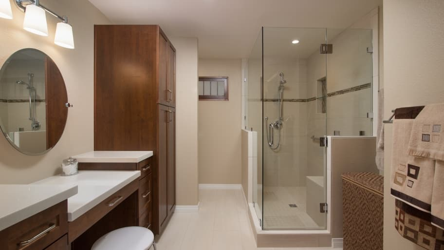 bathroom with cream walls