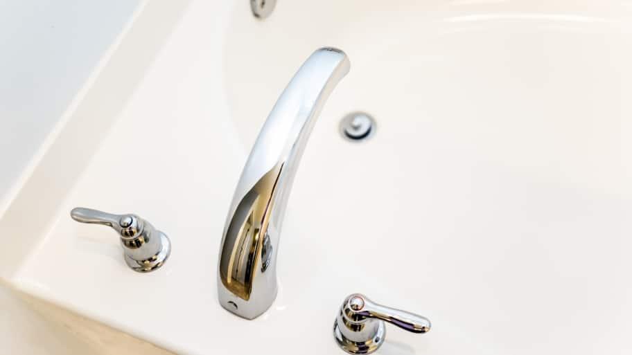 bathtub faucet and drain