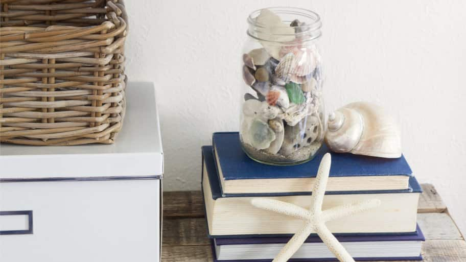 beachy shelf decor