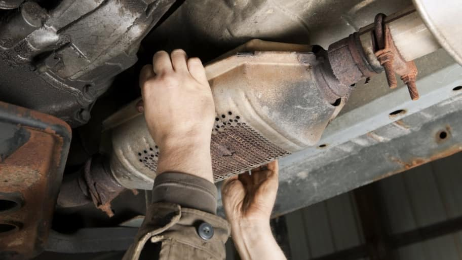How Much Does It Cost To Repair A Catalytic Converter: 2001 Toyota Camry Catalytic Converter Cost At Woreks.co