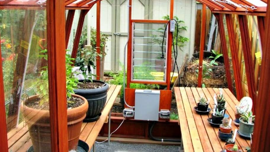 Small greenhouse for your yard