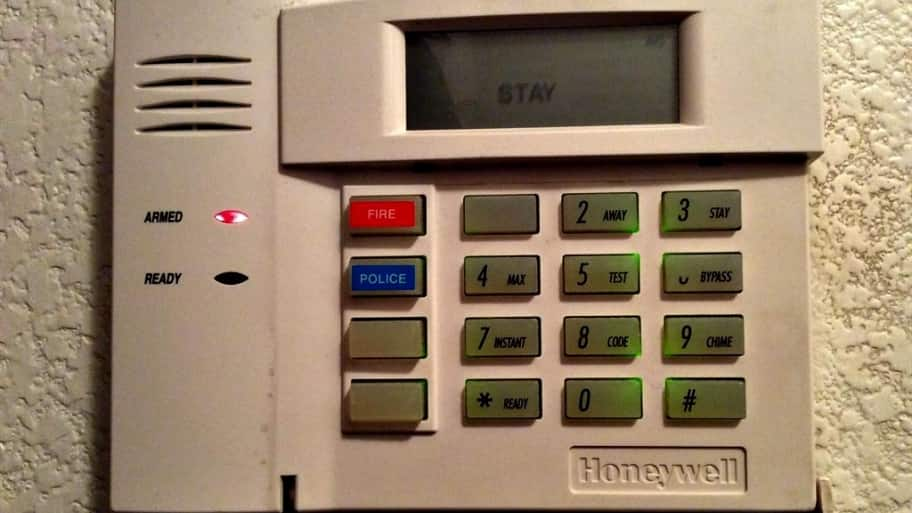 No landline home alarm systems can go wireless angies list home alarm systems can go wireless solutioingenieria Image collections