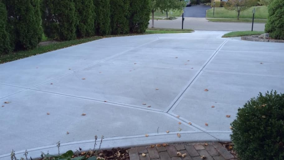 Driveway repair should you patch resurface or replace angies list freshly poured concrete driveway solutioingenieria Image collections