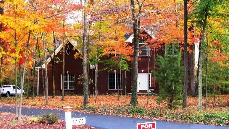 Take advantage of the fall foliage to make your home look its best for sale. (Photo courtesy of Angie's List member Michele D. of Leeds, Ala.)