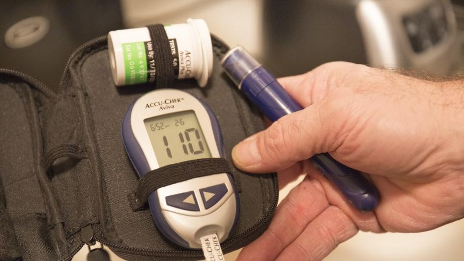 Blood glucose test kit