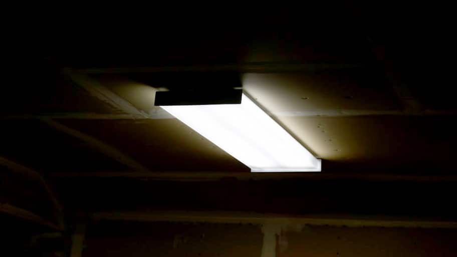 Ask Angie Replace Faulty Fluorescent Light Bulbs
