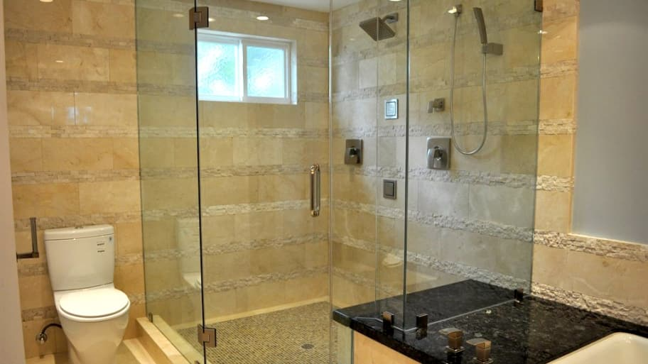 9 Ways to Maximize Small Bathroom Design | Angie\'s List