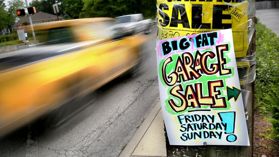Marvelous Garage Sale Signs On A Telephone Pole