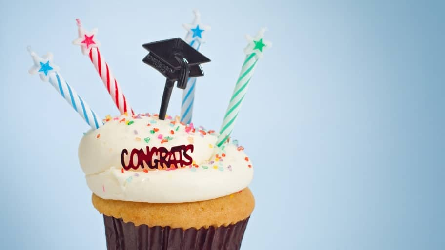 How to plan a graduation party